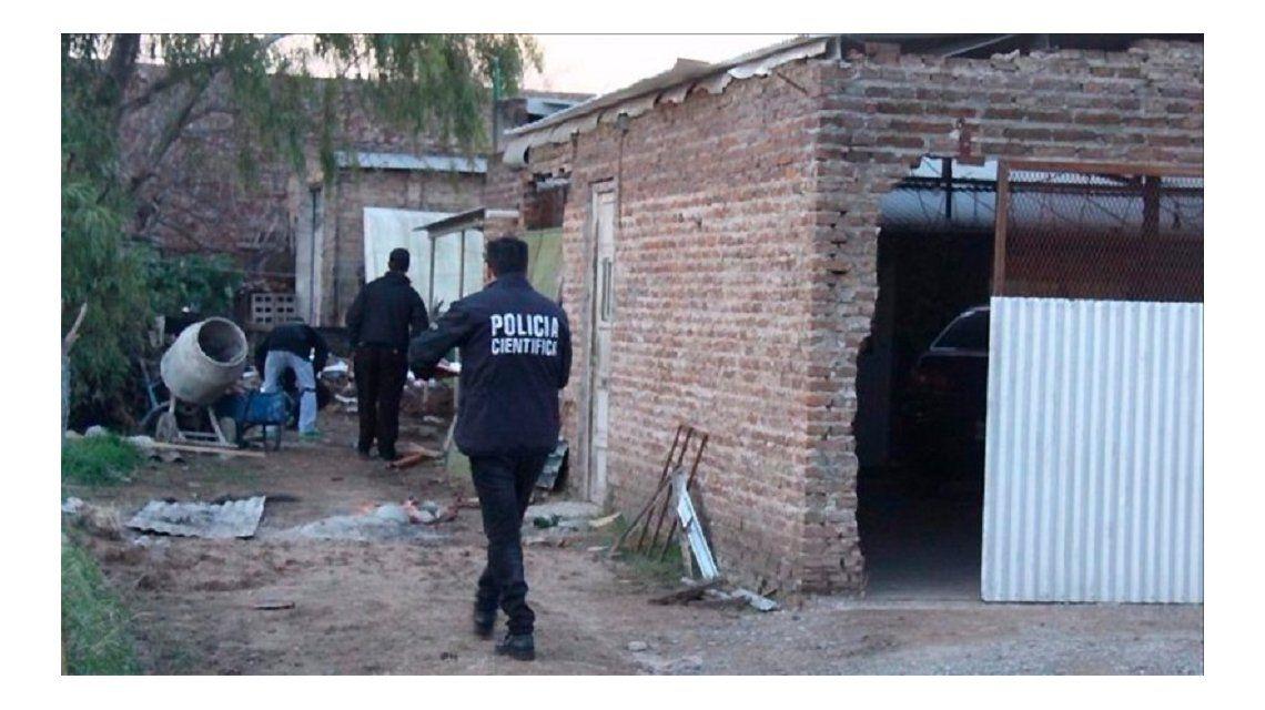 Policía científica peritaba el lugar