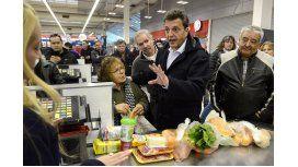 Canasta básica: Massa apuntó al Gobierno por el precio de los alimentos
