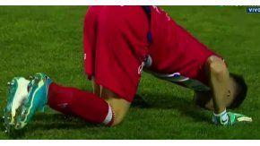 El arquero sufre de dolor en el piso