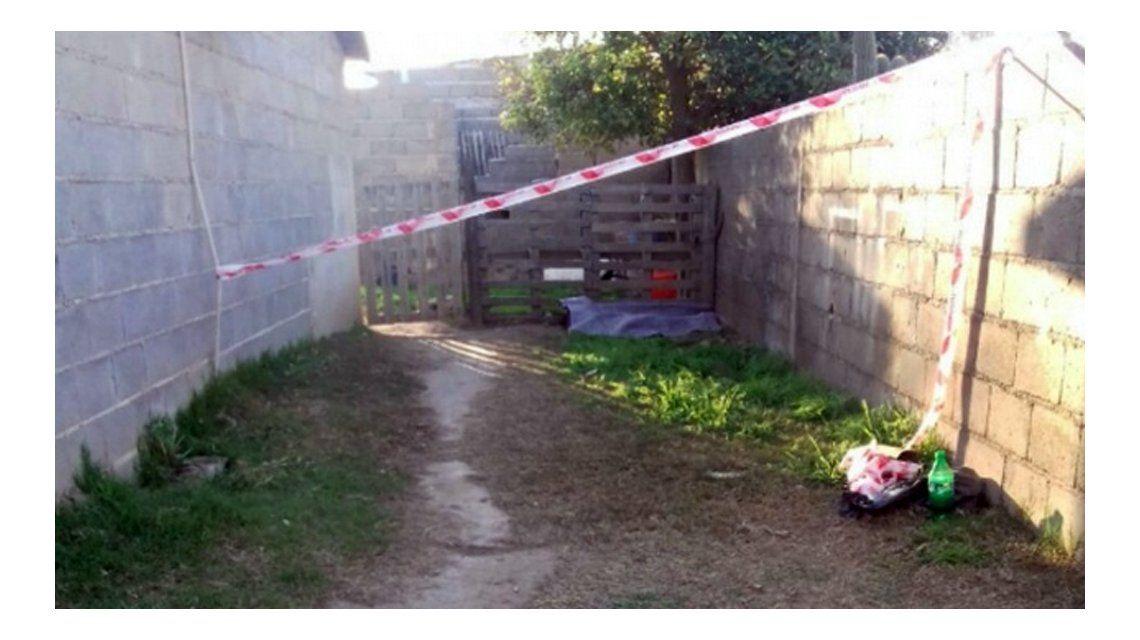 Este es el patio donde se encontró a la nena
