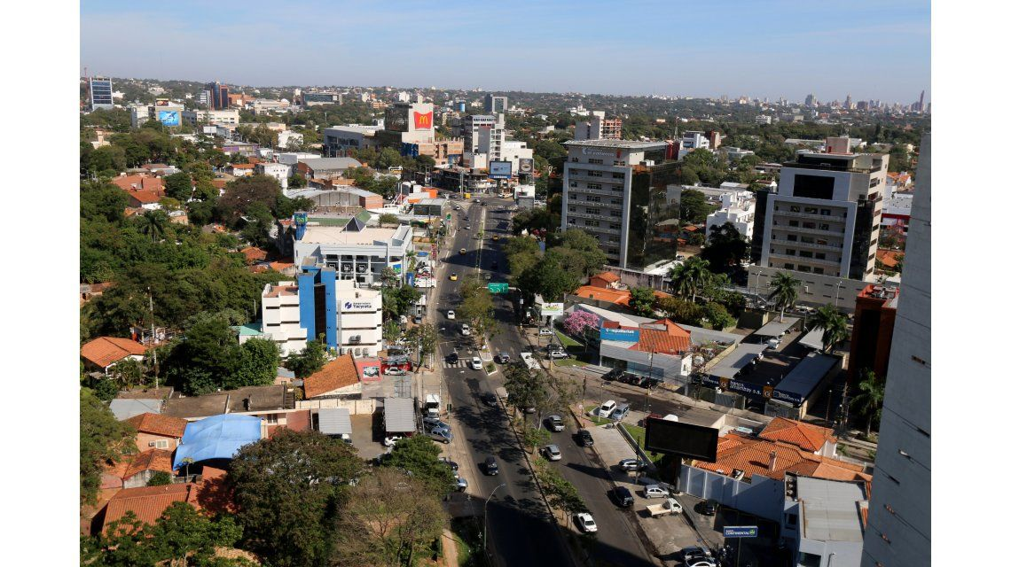 Boom de argentinos en Paraguay:  otra meca de compras