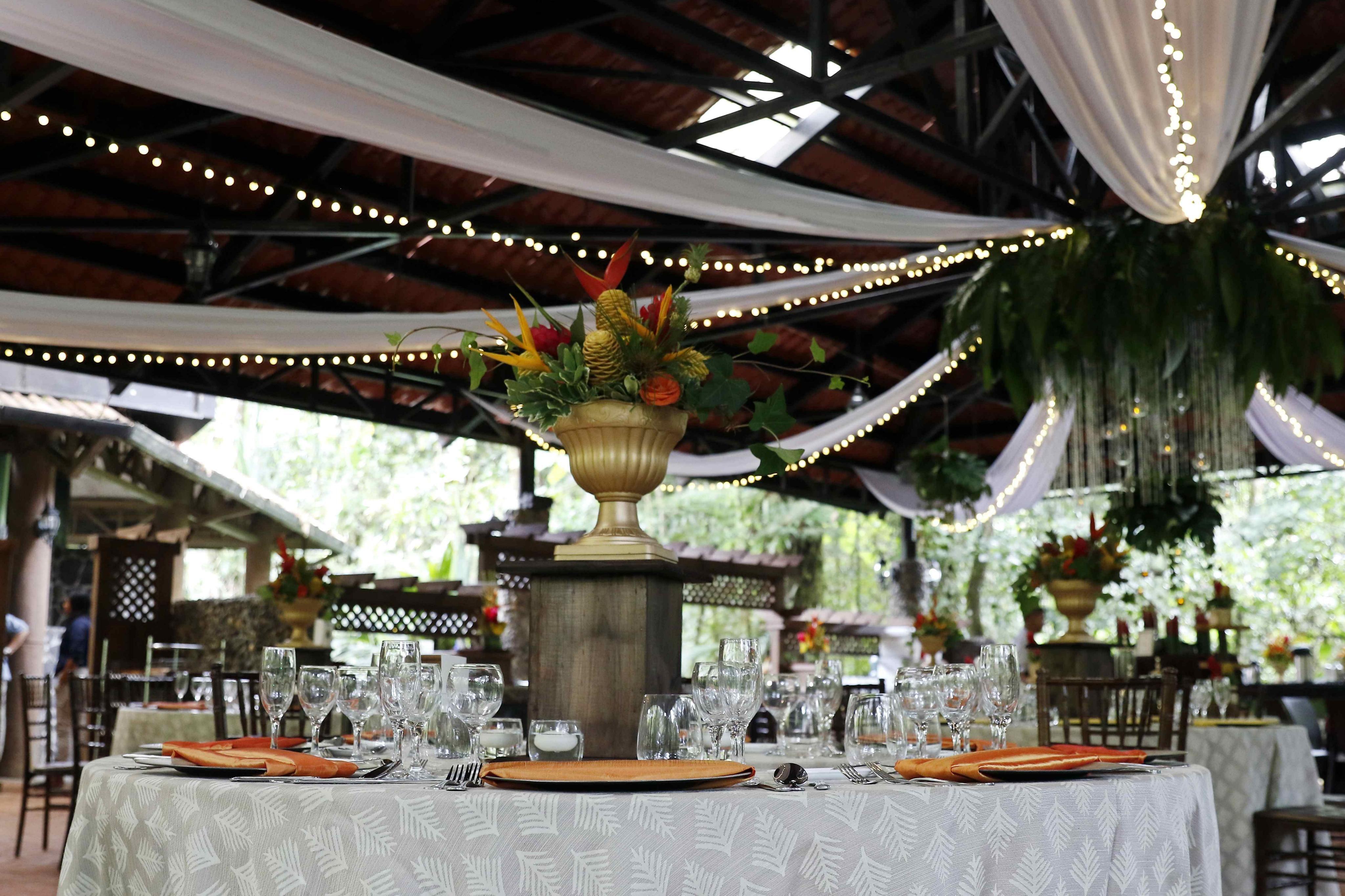 Se pueden hacer grandes bodas o convites más íntimos