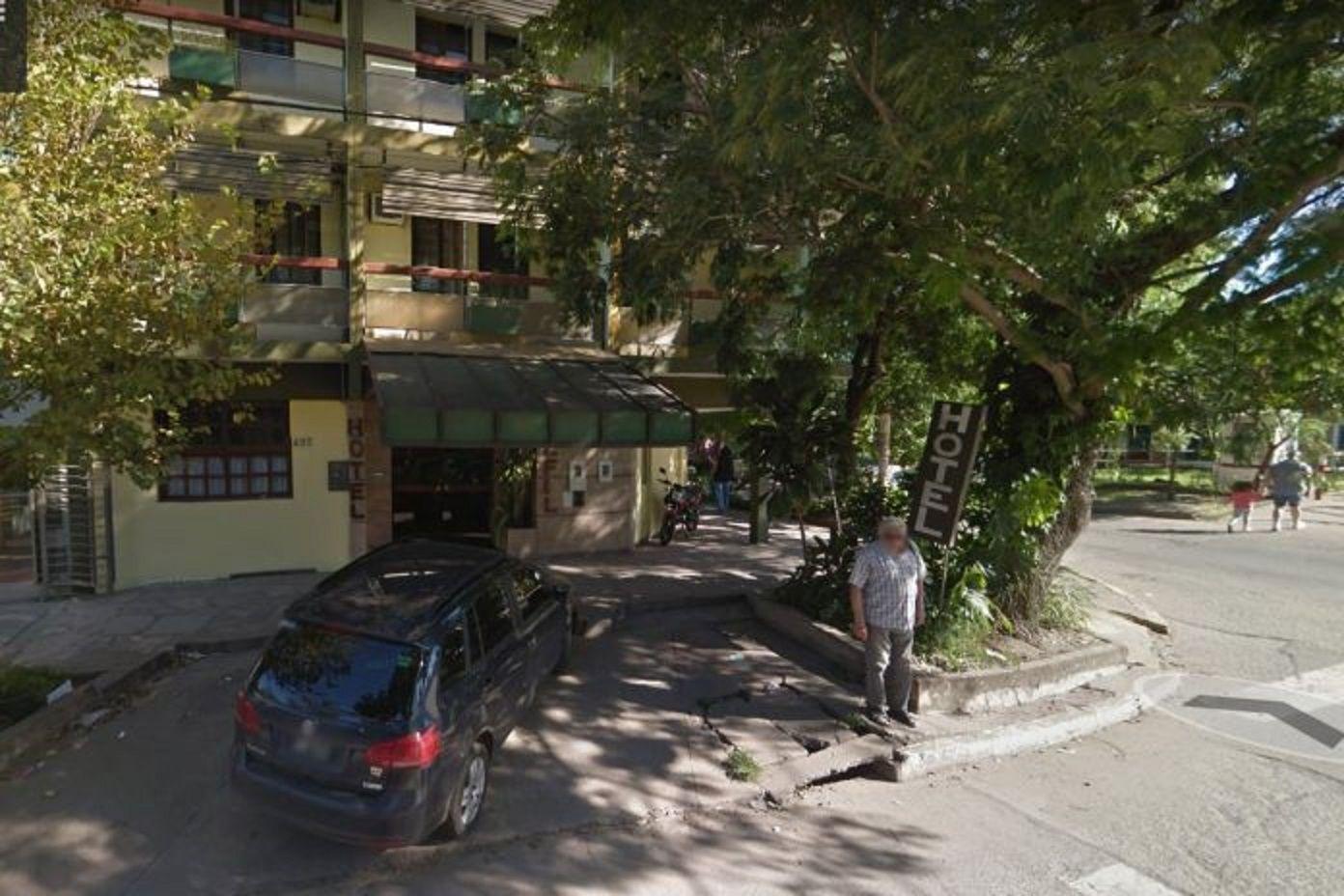 Hallaron muertos a tiros en un hotel de Chaco a un policía porteño y a una menor