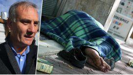 Un funcionario PRO dijo que los sin techo son como perritos cómodos en la calle