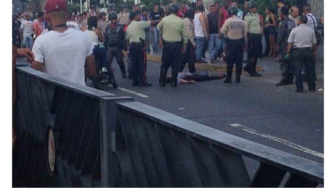 Al menos dos muertos y 4 heridos durante el plesbicito en Venezuela