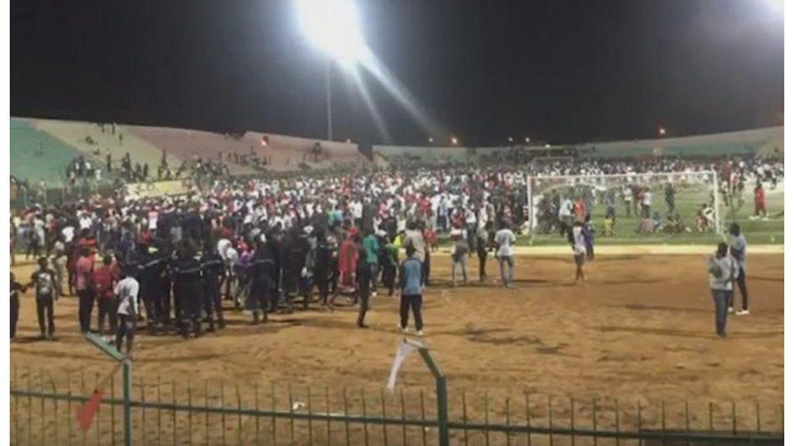 Al menos ocho muertos en una avalancha en un estadio de Senegal