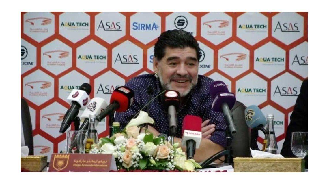 Diego Maradona comenzó su ciclo como DT de Al Fujairah