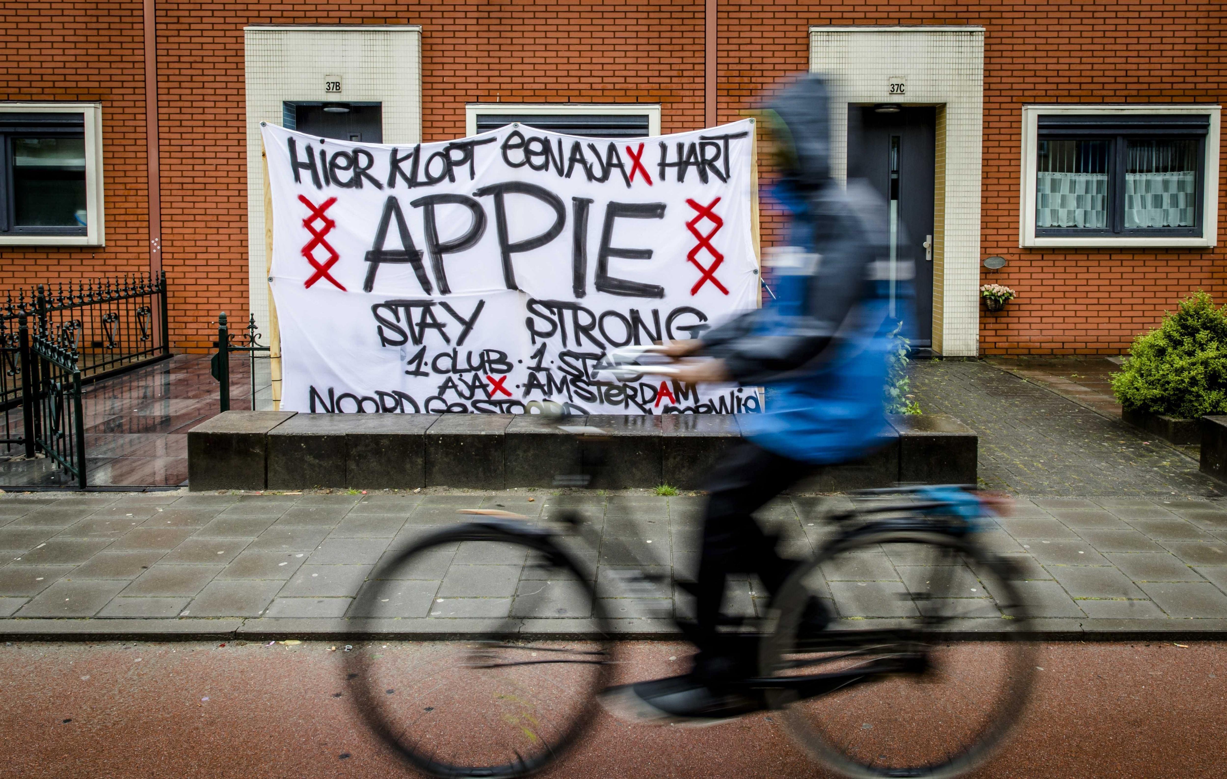 Los mensajes de apoyo inundaron las calles de Amsterdam