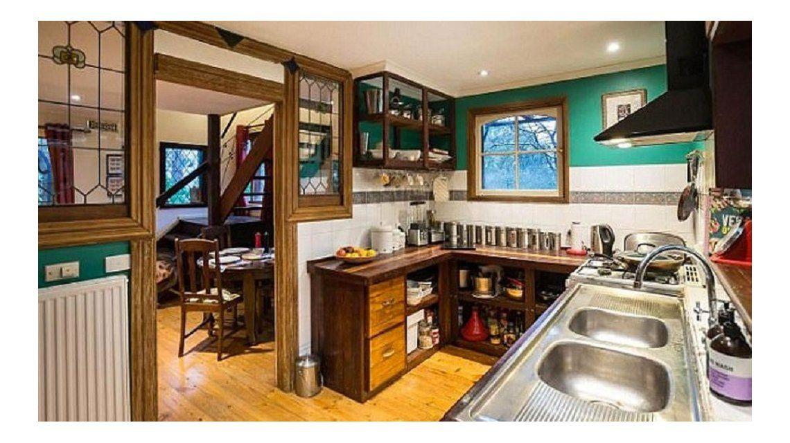 Mirá por qué se hizo viral la foto de esta casa: hay algo que no tendría que estar ahí