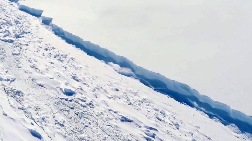 El iceberg mide 20 veces más que la ciudad de Buenos Aires