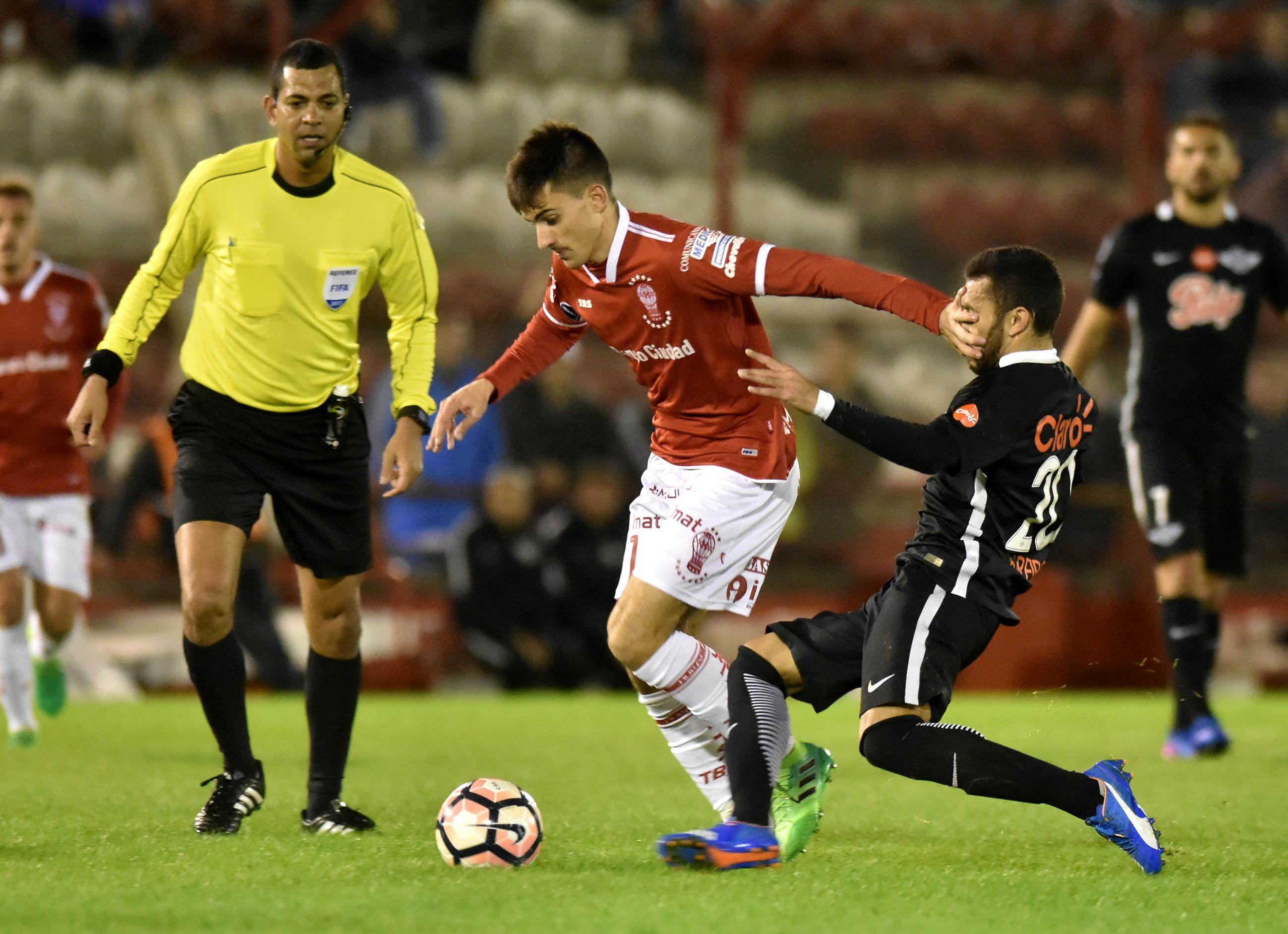 Huracán sufrió una dura derrota ante Libertad de Paraguay por la Sudamericana