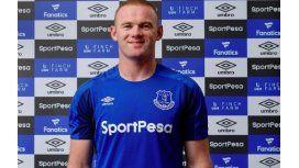 Rooney, con su flamante camiseta
