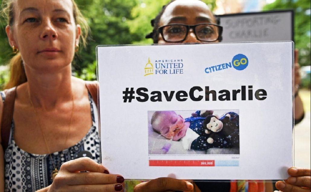 Desesperante: último intento de los papás de Charlie Gard para salvar a su hijo