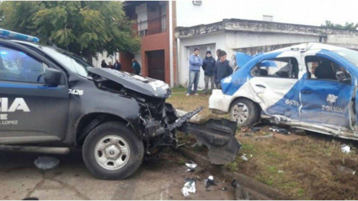 Dos patrulleros chocaron cuando perseguían a un motochorro