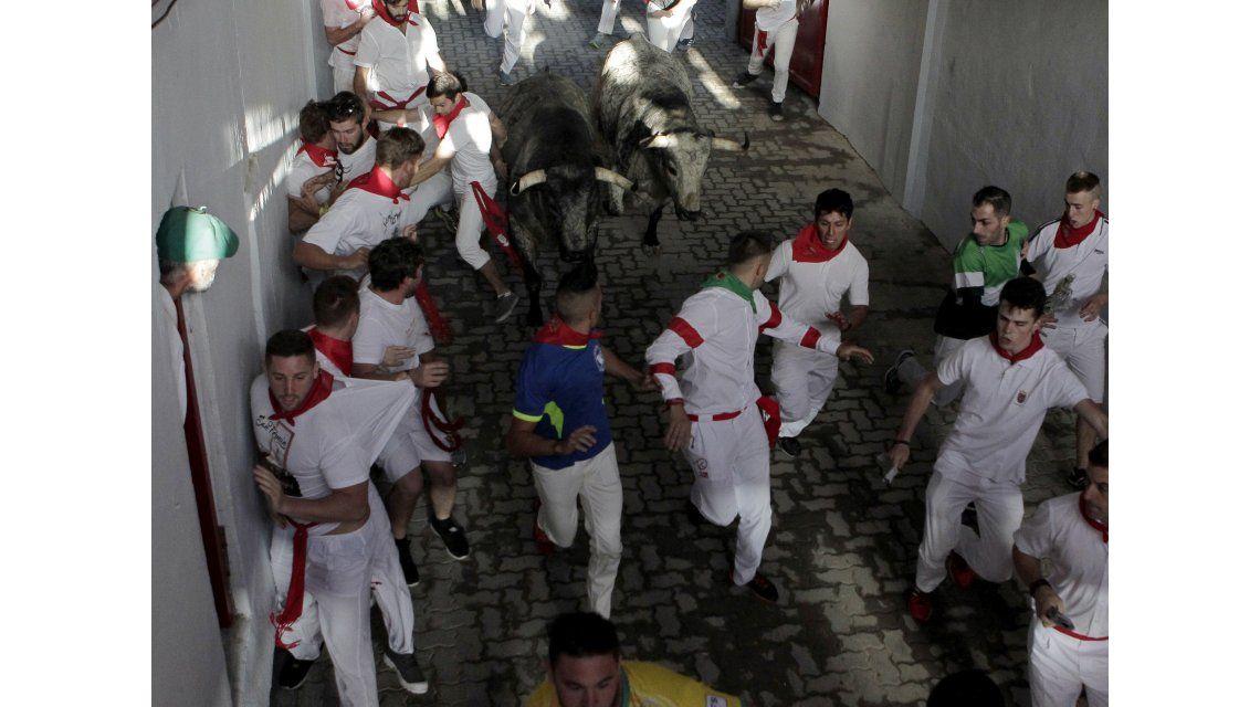 Tres heridos por asta de toro en el primer encierro de San Fermín