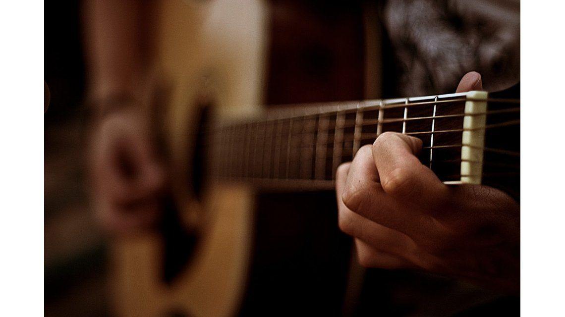 Una app para aprender a tocar la guitarra