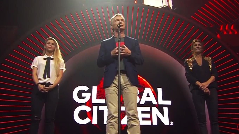 Macri se lamentó por no poder bailar con Shakira y sorprendió con su inglés