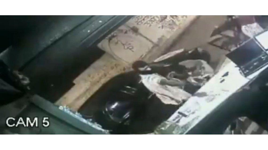 Un sicario asesinó de tres disparos en la cabeza al dueño de un bar