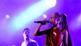 Ariana Grande se presentó en el DirecTV Arena.