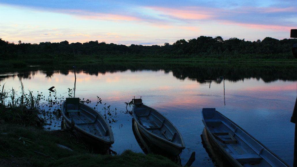 El atardecer privilegiado en la selva del Amazonas ecuatoriano