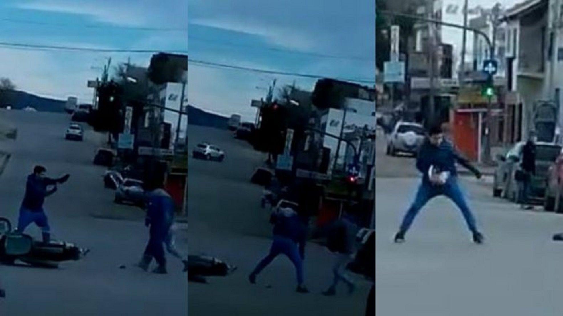 Le intentaron robar la moto y se defendió con el casco