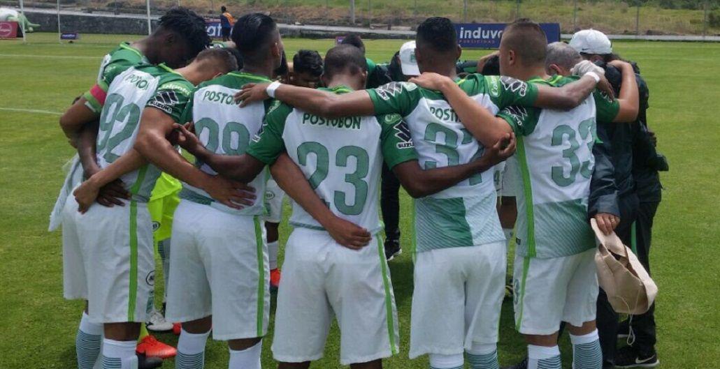 Efmamjjasond González junto a sus compañeros