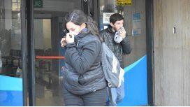 Los empleados se tapan la nariz en la sucursal