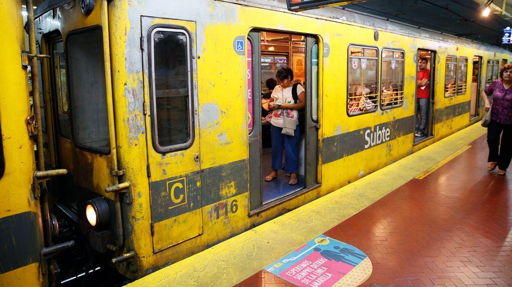 Así están los los trenes en la línea E