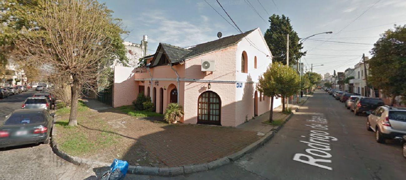 Tiraron el cuerpo de una mujer desde un auto en Villa Devoto