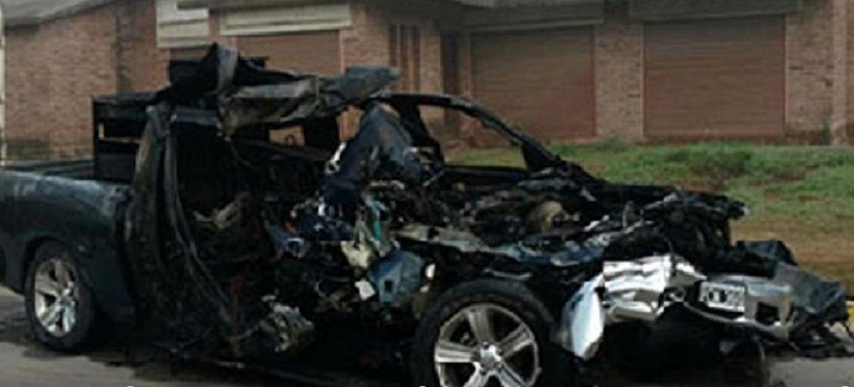 Quiso adelantarse a un camión, chocó y murieron su mujer y su hija