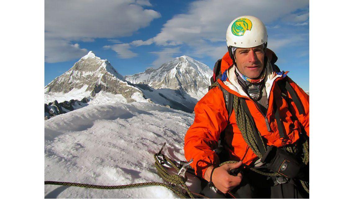 Una avalancha habría alcanzado al alpinista argentino desaparecido