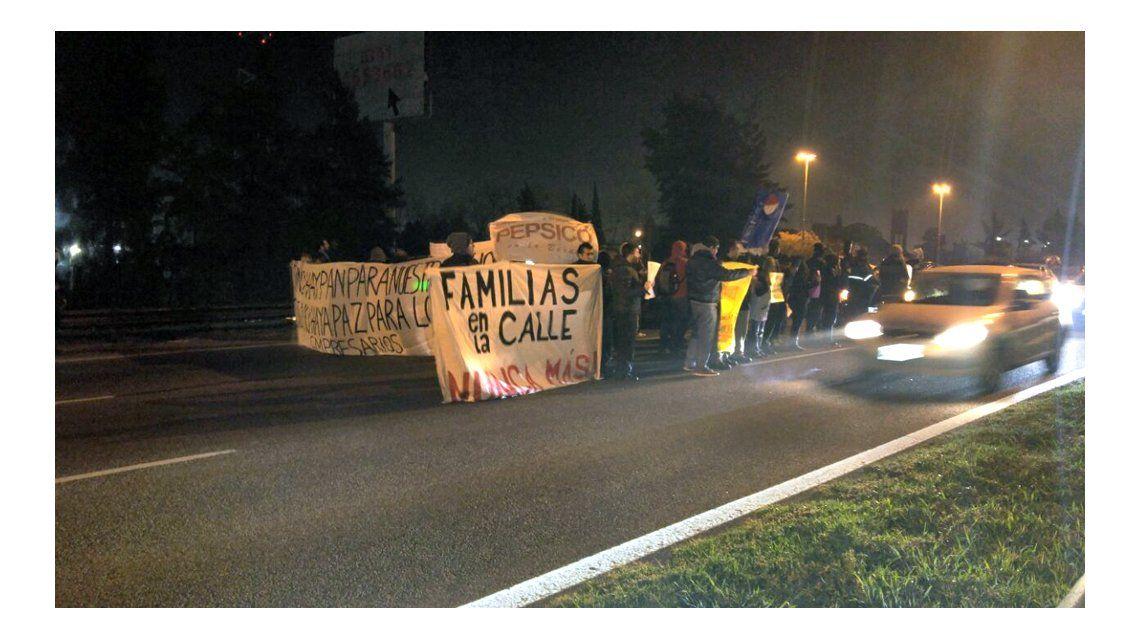 Los trabajadores reclaman la reapertura de la planta Florida