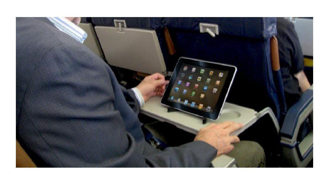 La tablet en el avión rumbo a Estados Unidos podría estar prohibida
