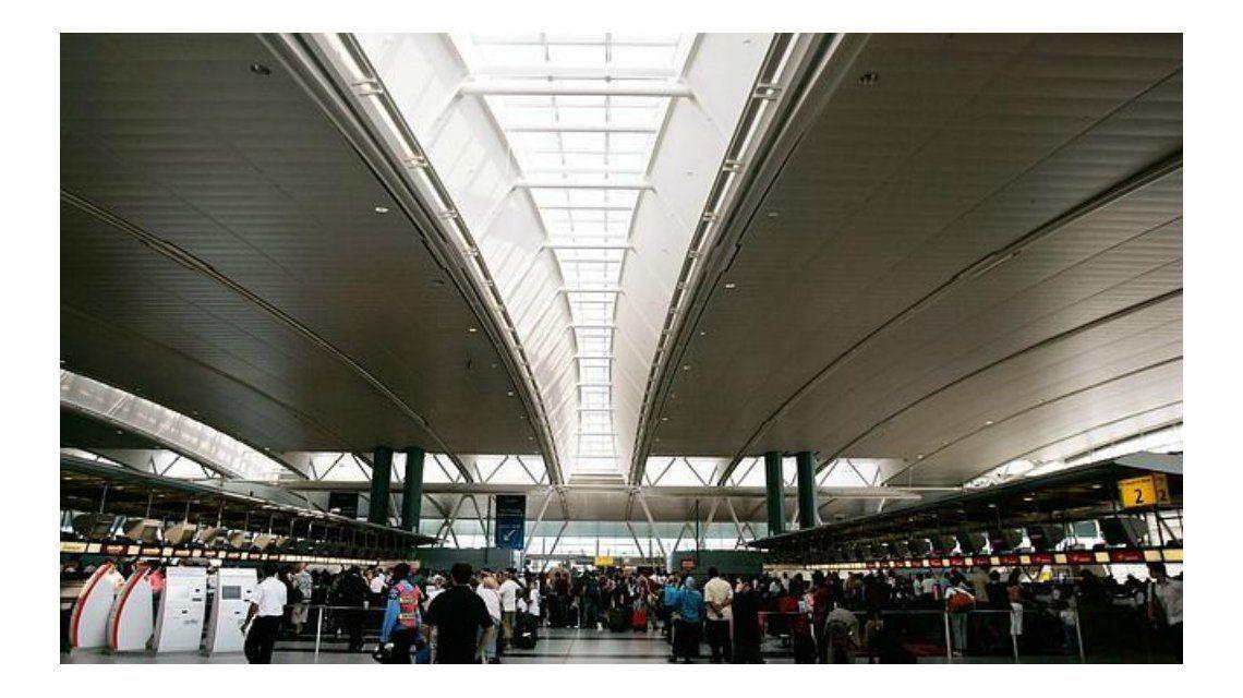Cerraron la terminal 4 del aeropuerto JFK de Nueva York por un incendio