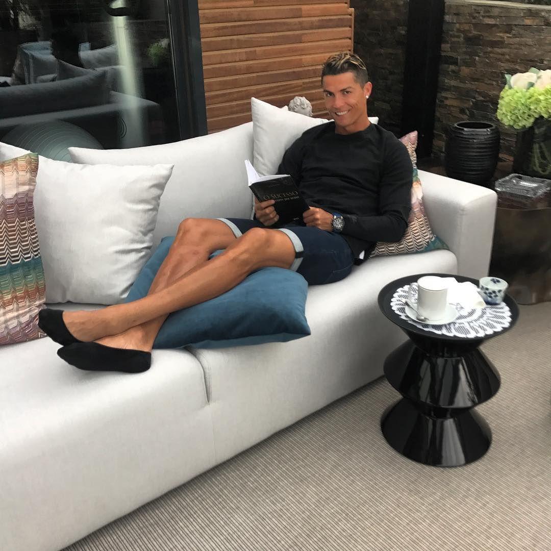 Cristiano Ronaldo fue papá de mellizos y los presentó en las redes