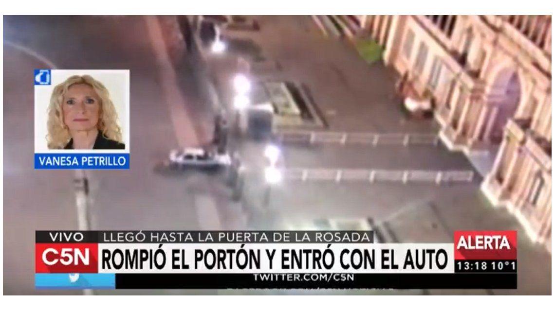Un hombre rompió con su auto la reja perimetral de la Casa Rosada