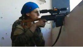 Así reacciona la francotiradora