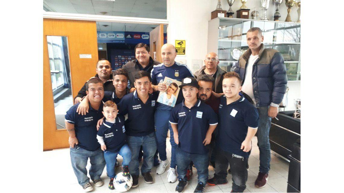 Jorge Sampaoli recibió a la Selección argentina de talla baja
