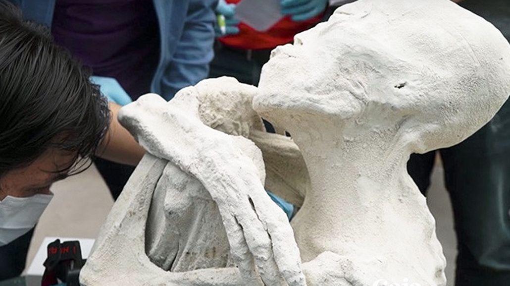 Hallan una presunta momia extraterrestre en Perú
