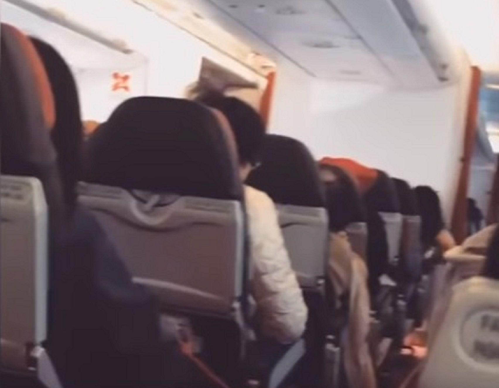 Una low cost aterrizó de emergencia tras vibrar como lavarropa
