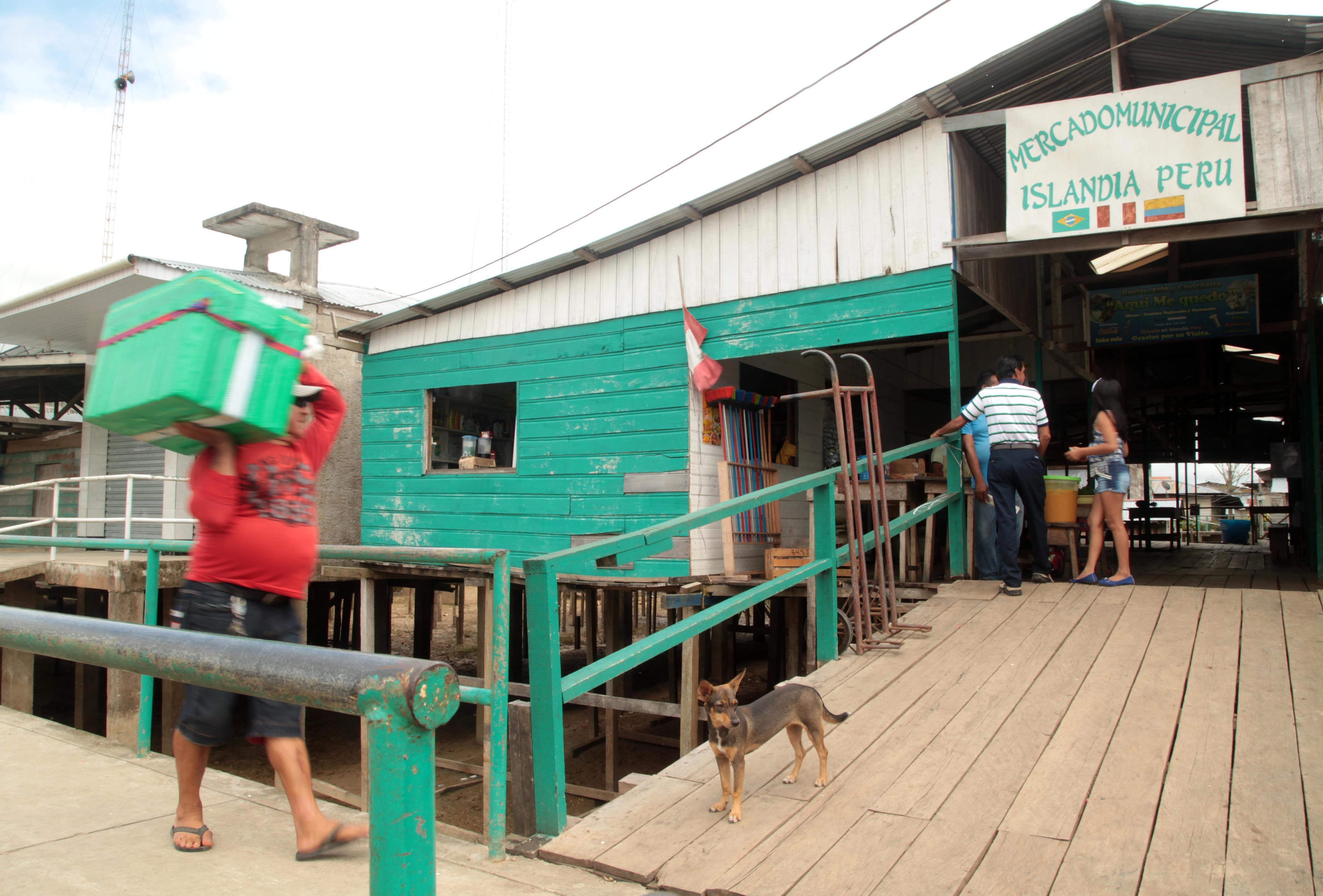 La localidad cuenta con un mercado que está suspendido para evitar inundaciones