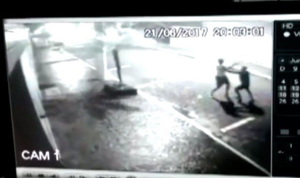Así comenzaba el robo al policía de civil