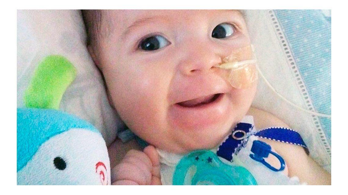 Piden ayuda para un bebé con una extraña enfermedad