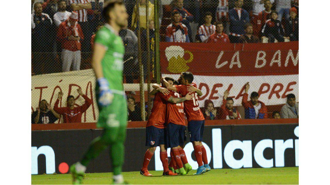 El festejo del gol de Rigoni