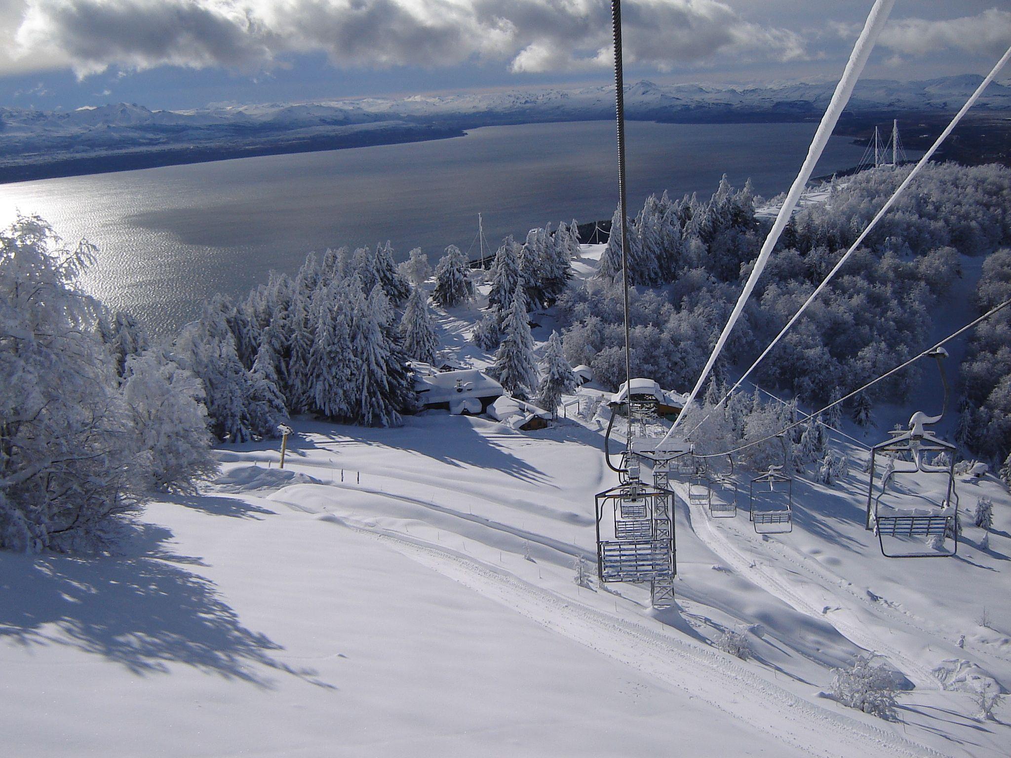 Bariloche ya está blanca y lista para recibir un aluvión de visitantes