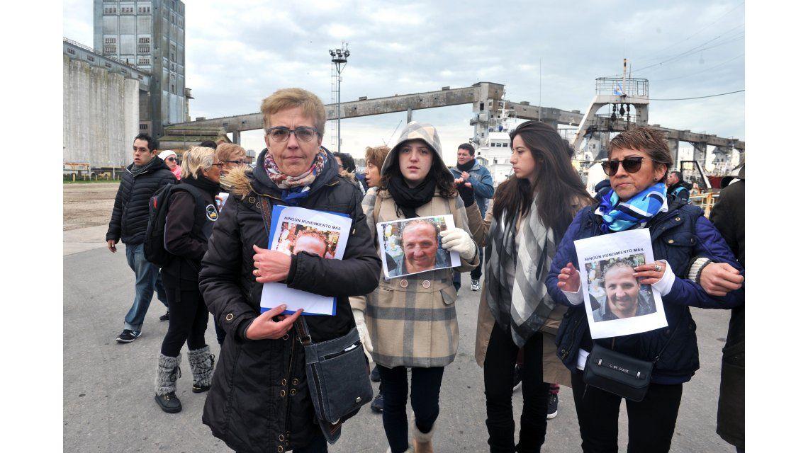 El drama de los familiares de los desaparecidos del pesquero hundido