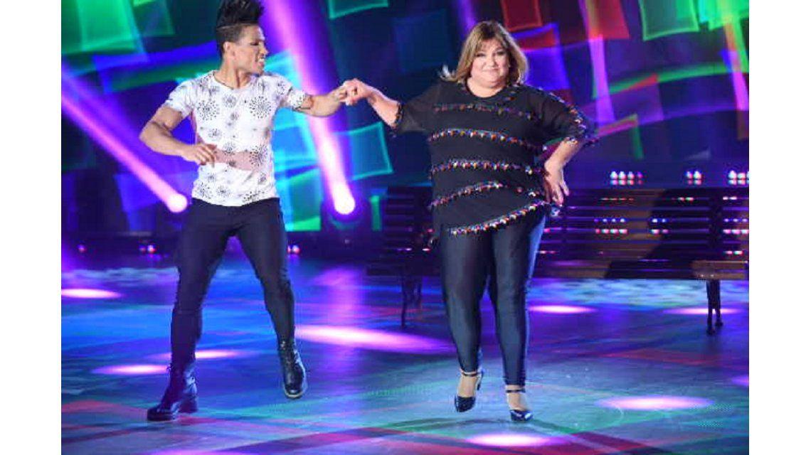 Beatriz Prandi en la cumbia pop del Bailando 2017 de ShowMatch