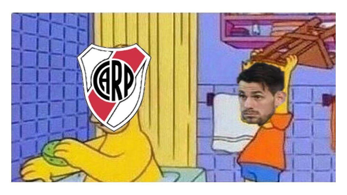 River: los memes por el error de Batalla en el gol de Acuña