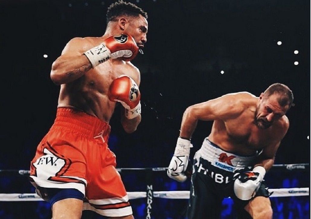 Ward derrotó a Kovalev