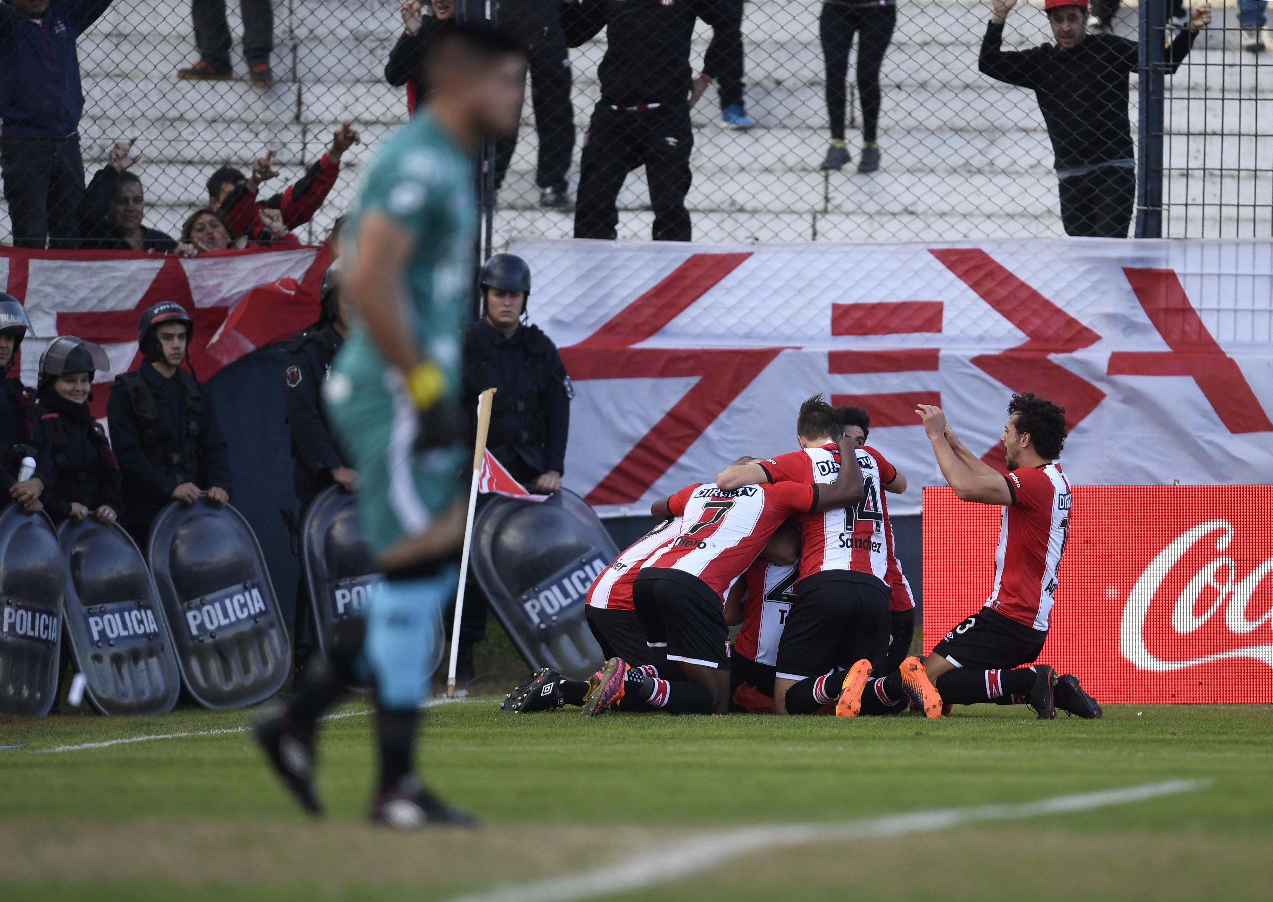Estudiantes venció a Belgrano y sueña con la Copa Libertadores